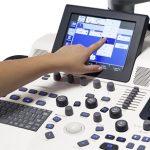 logiq-f8-ultrasound-touchscreen-image1